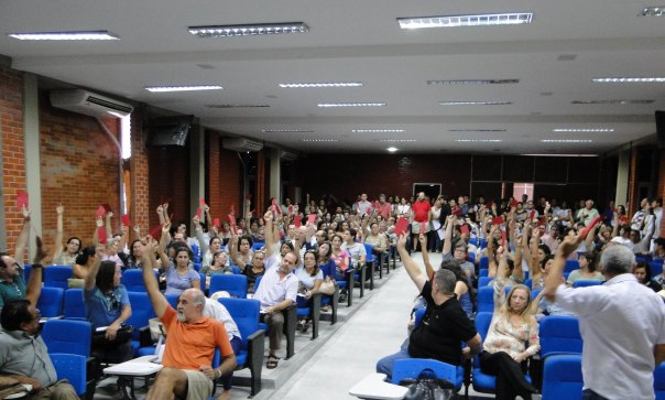 ASSEMBLEIA-AD-UFPB-23-MAIO-2014-10