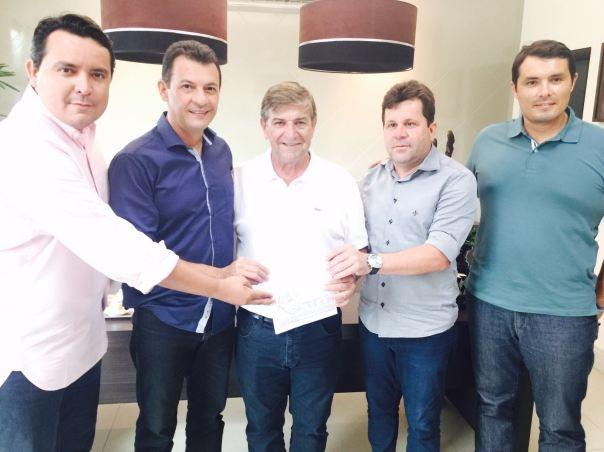 Comitiva de Goianinha e presidente Valdir Fontanella