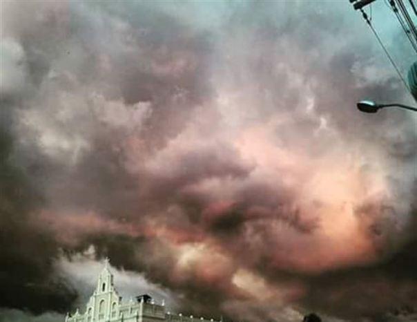 ceu-fica-cor-de-rosa-na-pb-e-assusta-internautas-apocalipse-meteorologista-explica1455112330