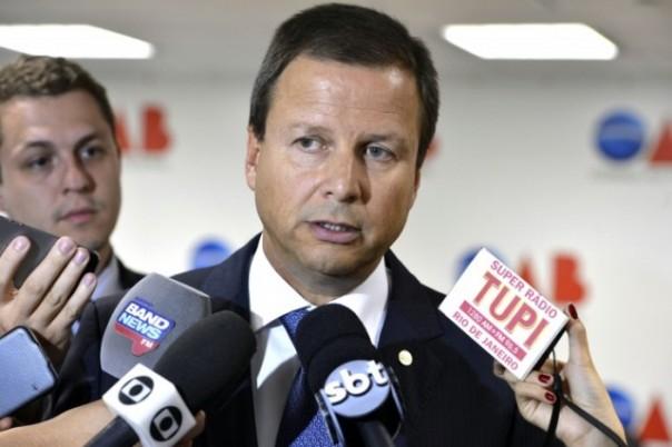 http-fotospublicas.s3.amazonaws.com-wp-content-uploads-2016-02-VC_Presidente-OAB-Claudio-Pacheco-Lamachia-comenta-declaracoes-do-senador-Delcidio-do-Amaral_22022016003-e1459182388346-640x426